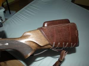 Kožená botka na pušku so zvýšenou lícnicou Zubiček 2
